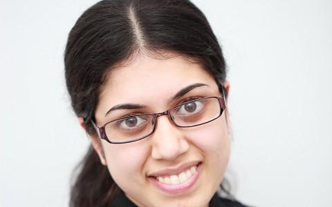 Dr Salma Anwari BDS